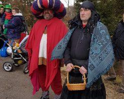 dva muži v maskách
